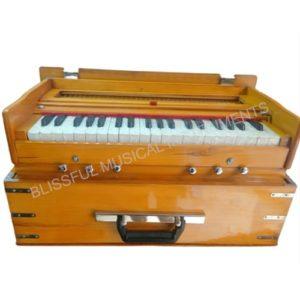 wooden safri harmonium 500x500 1