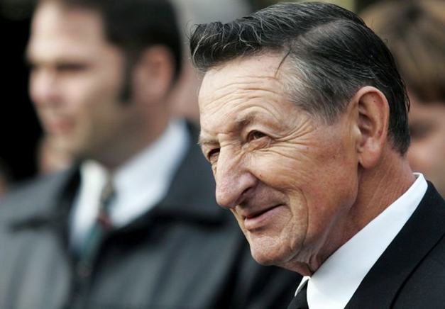 Father of Hockey-Legend Wayne Gretzky Dies at 82